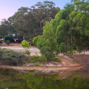 Kookaburra+across+the+lake